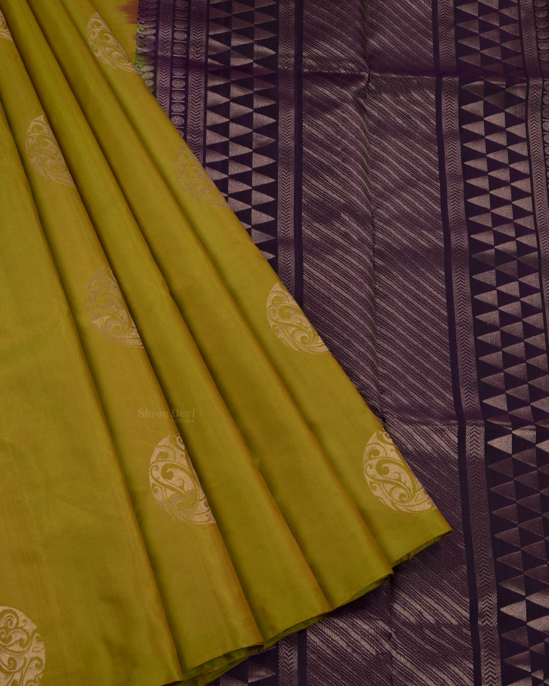 Mustard Green Elite Motif Kancheevarams Silk Saree with Circle Design Zari Motifs