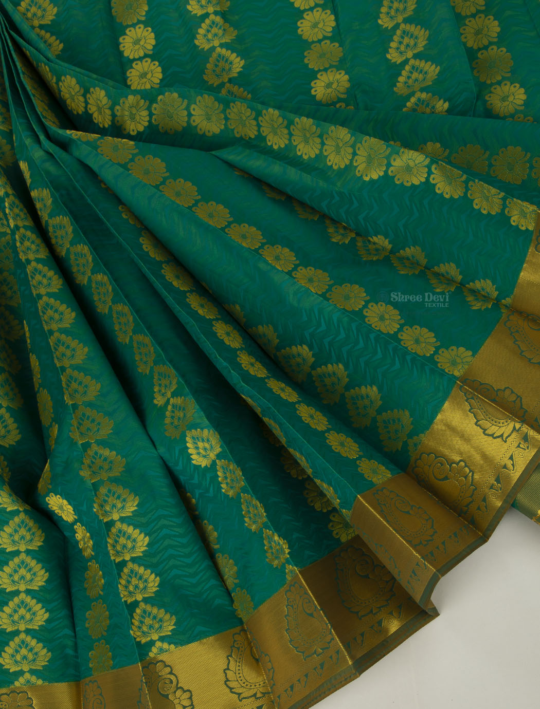 Pine Green Visiri Madippu Saree with Golden Floral Zari Pattern